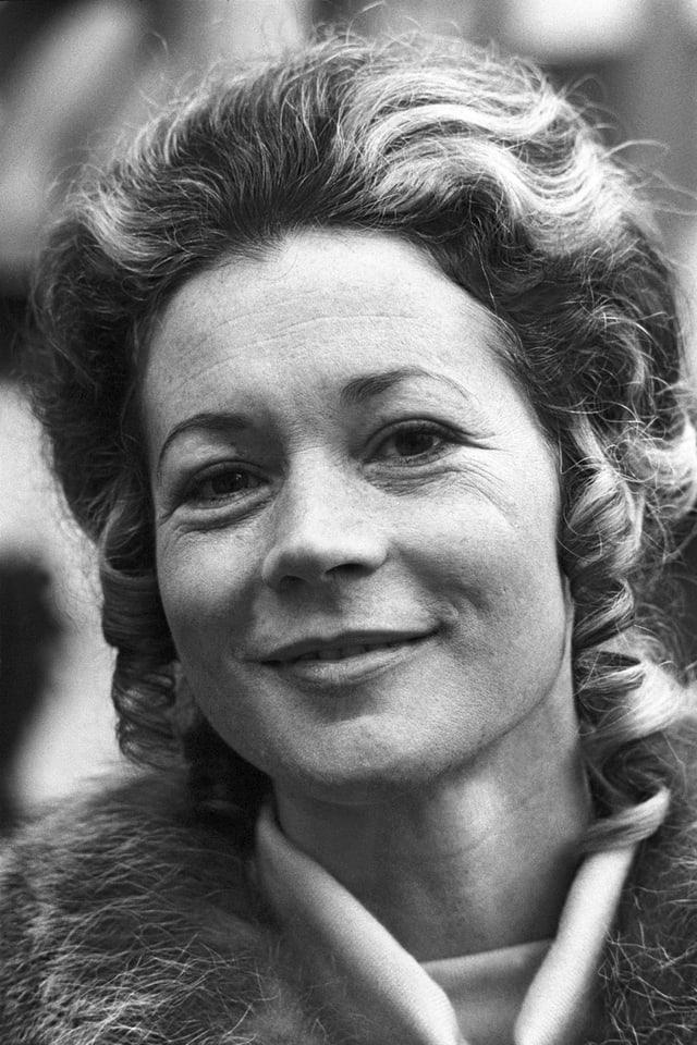 Margrit Läubli absolvierte eine Ballettausbildung am Opernhaus Zürich.