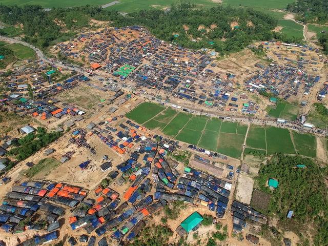 Luftaufnahme eines Flüchtlingslagers
