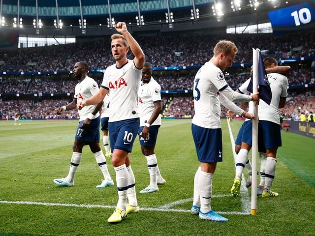 Harry Kane bejubelt ein Tor in der Premier League.