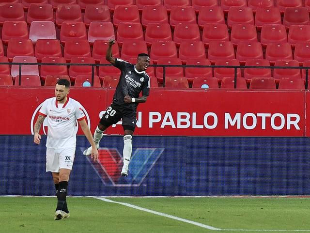 Reals Vinicius freut sich über das 1:0.