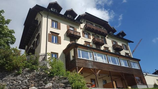 Il hotel Alpenblick a Tenna duai daventar in center per «Land Art».