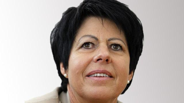 Porträtbild von Regierungsrätin Yvonne von Deschwanden aus Nidwalden.