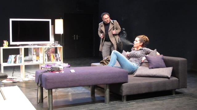 Zwei Schauspieler in Aktion