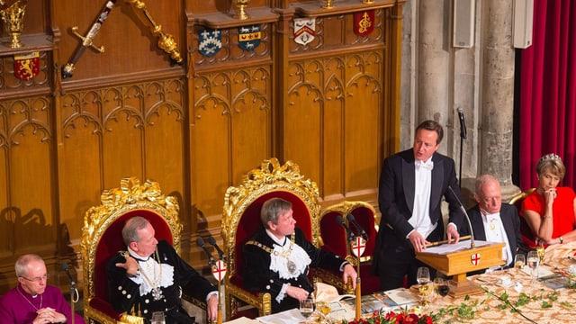 Premier David Cameron bekräftigt am jährlichen Lord Mayor's banquet den Kampf gegen Terrorismus.