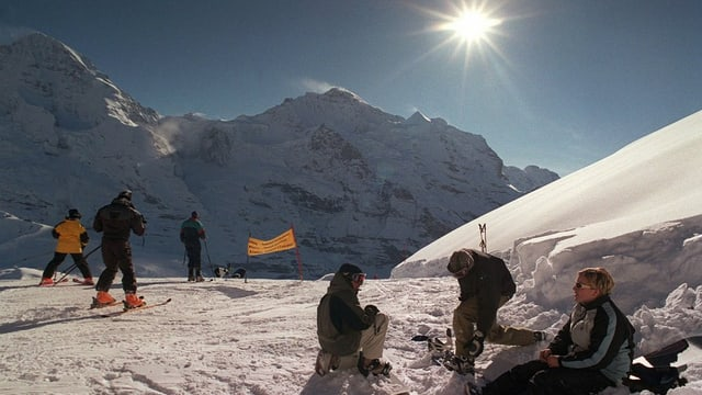 Skifahrer in der Winterlandschaft
