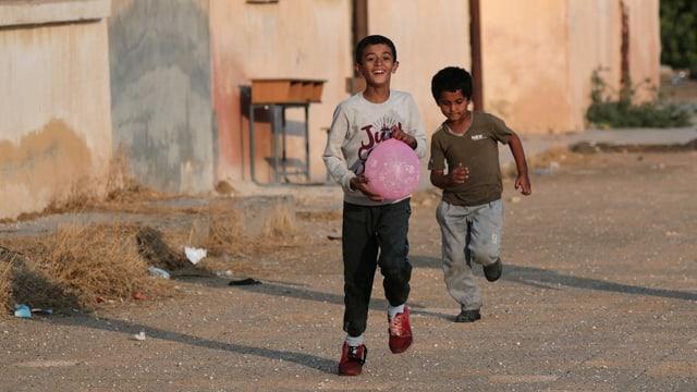 Besonders schlimm ist es für Kinder in Syrien, im Jemen und im Kongo.