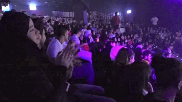 Publikum im Comedy Club in Jeddah.