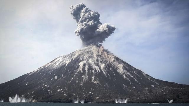 Purtret dal vulcan entir.