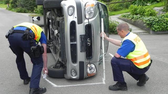 Thurgauer Polizisten bei der Arbeit.