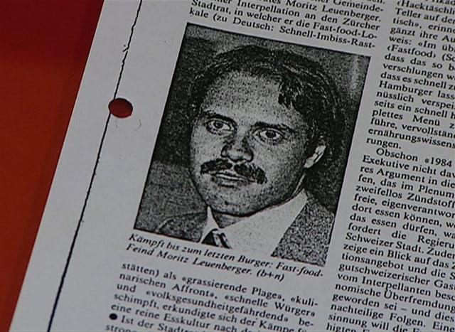 Bild von Moritz Leuenberger in einer Zeitung.