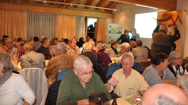 A la radunanza eran da la partida radund 100 persunas.
