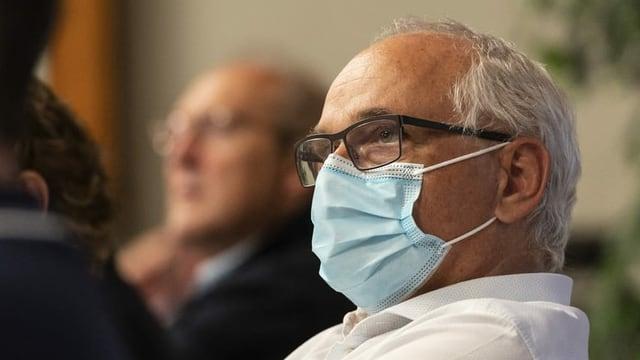 Berns Gesundheitsdirektor Pierre-Alain Schnegg (SVP) mit Mundschutz