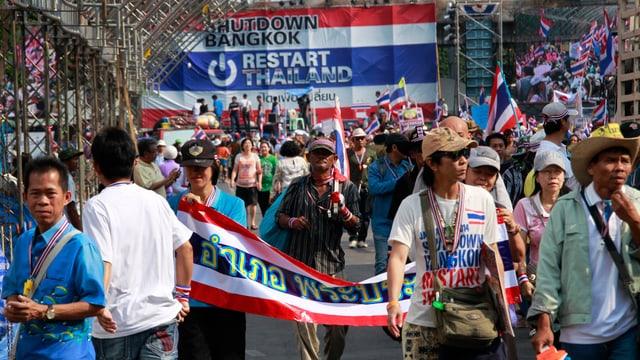 Thailändische Demonstranten haben gerade ihr Protestlager geräumt.