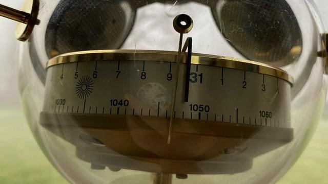 Ein Barometer zeigt den Druck von Belgien.