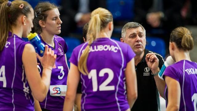 Coach Dragutin Baltic will die Zürcher Volleyballerinnen erstmals in den CL-Halbfinal führen.