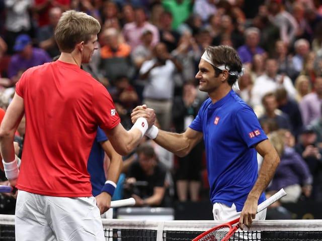 Kevin Anderson und Roger Federer.