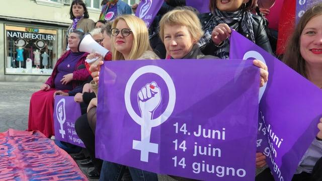 Plakat zum Frauenstreiktag am 14. Juni