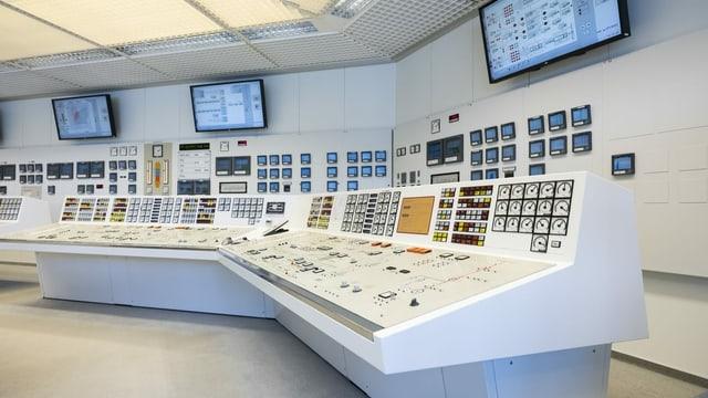 vista en la stanza da controlla da l'ovra atomara Mühleberg