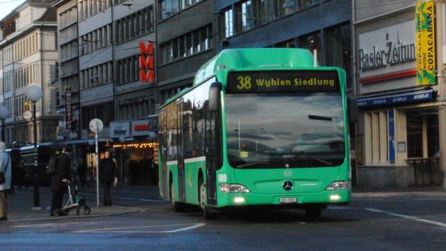 38er BVB-Bus am Claraplatz