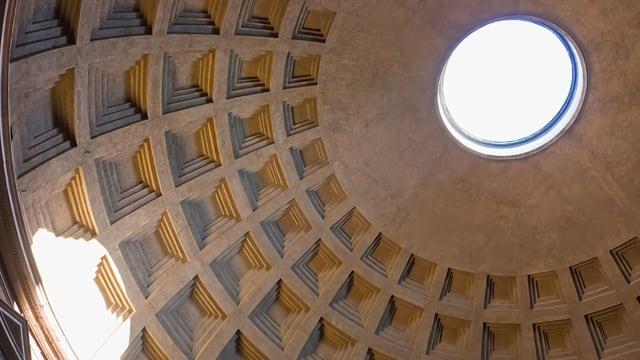Die Kassetten-Kuppel es Pantheons in Rom.