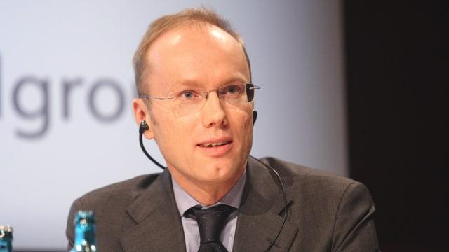 Förberg spricht 2008 in Frankfurt.