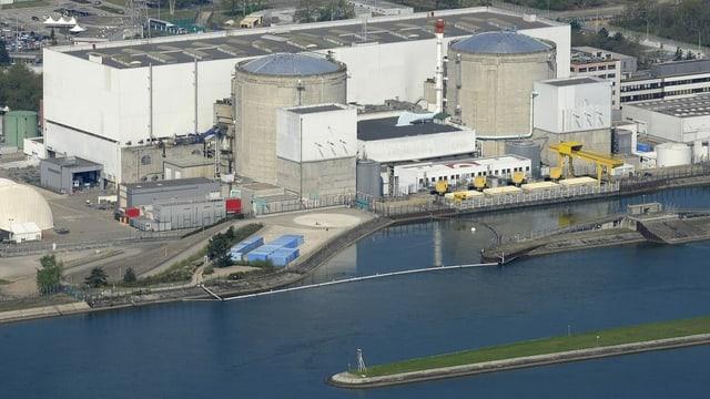 Die Tage des französischen Atomkraftwerks Fessenheim am Ufer des Rheins im Elsass sind gezählt.