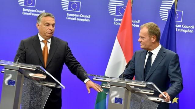 Viktor Orban mit Donald Tusk, 3. September 2015 un Brüssel