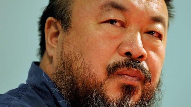 Porträtaufnahme von Ai Weiwei aus dem Jahr 2009.