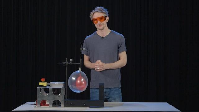 Video ««Einfach Physik!» - Laser und Luftballon (1/5)» abspielen