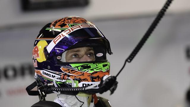 Brendon Hartley mit aufgesetztem Helm.