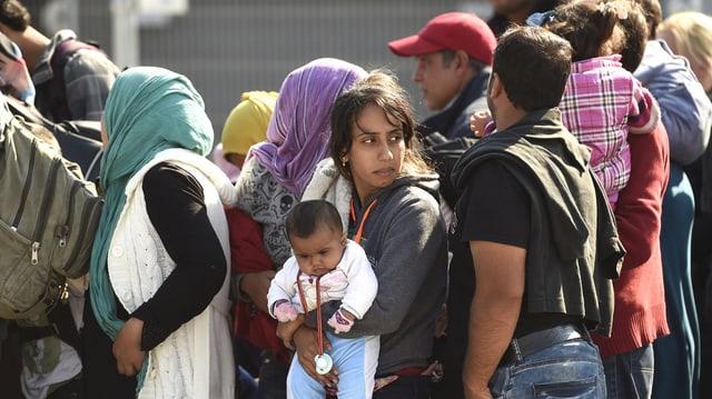 Di per di vegnan adina dapli fugitivs en l'Europa.