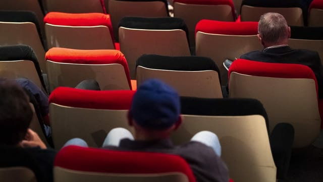 Menschen in einem Kino