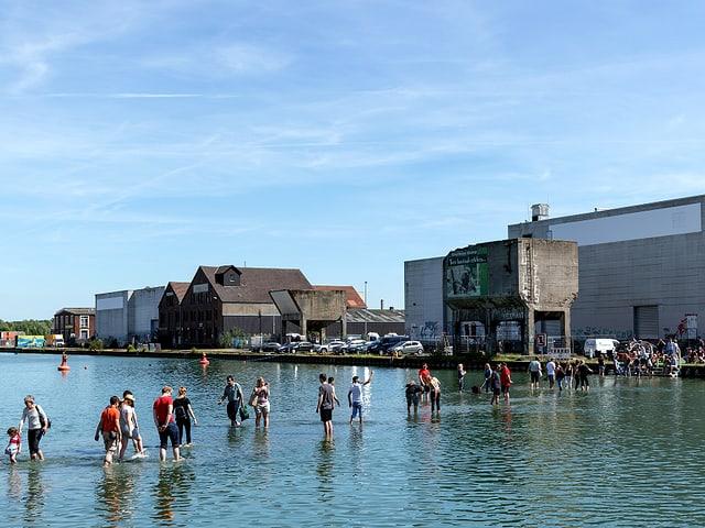 Ayse Erkmen: «On Water»