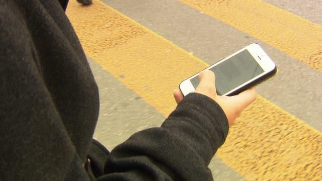 Sind Fussgänger mit Handys eine Gefahr?