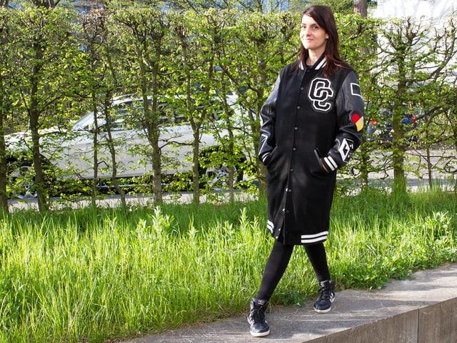 Die Jacke aus den 90ern ist wieder voll im Trend.