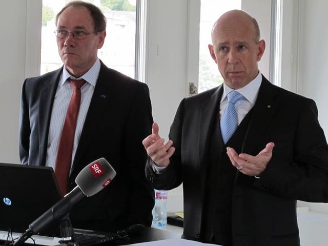 Bankratspräsident Rinaldo Riguzzi und Direktor Martin Vogel.