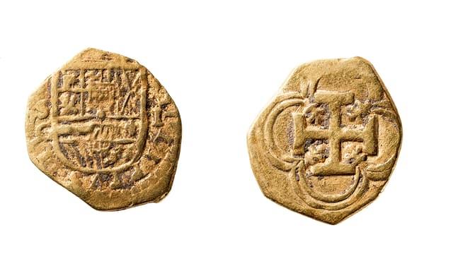 Vorder- und Rückseite der Goldmünze.