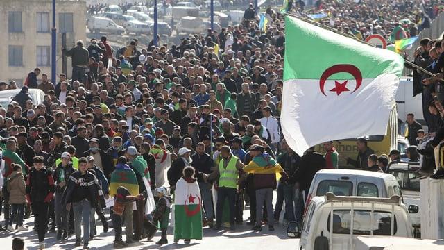 Amnestie für Hirak-Aktivisten