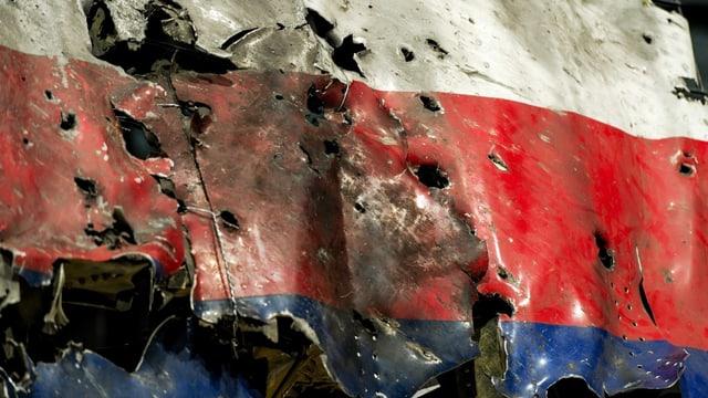 Nahaufnahme des von den niederländischen Ermittlern rekonstruierten Bug der abgestürzten Maschine.