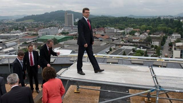 Die Berner Regierung macht sich für das Regierungsfoto bereit