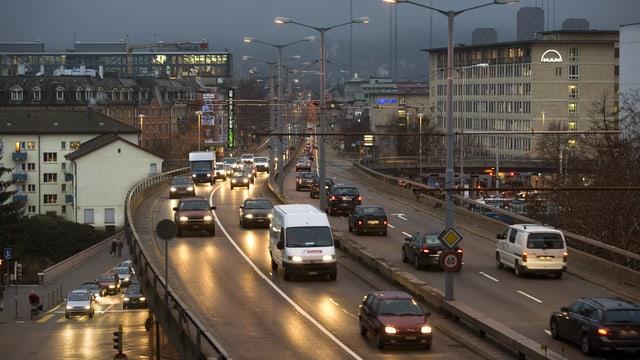 Traffic d'autos a Turitg.