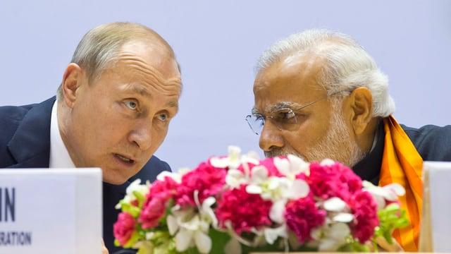 Putin und Modi sprechen miteinander