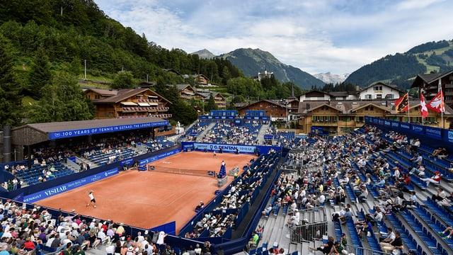 Plazza da tennis a Gstaad.