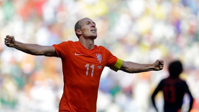 Arjen Robben jubelt nach dem Sieg gegen Mexiko.