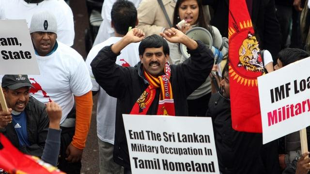 Anhänger der Tamil Tigers protestieren gegen Menschenrechtsverletzungen in Sri Lanka