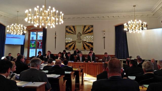 Urner Landratssaal während Ratsdebatte.