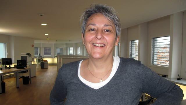 Alexandra Zvekan in der Radio-Redaktion.