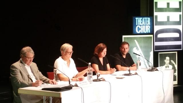 Nova stagiun, novas producziuns en il teater Cuira.