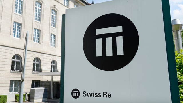 Swiss-Re-Schild