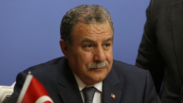 Porträt von Muammar Güler.